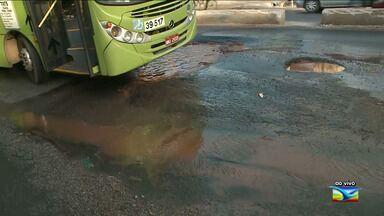 Após reportagem, problema continua em São José de Ribamar - Cano estourado que havia surgido no meio da pista ainda continua sem conserto no município.