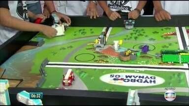 Estudantes de Paulista participam de competição de robótica, no Grande Recife - Competição ocorre para testar o que foi aprendido em sala de aula
