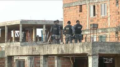 Polícia realiza operação de busca e apreensão em prédios em São Luís - Segundo a polícia, traficantes tomaram conta da área e ameaçavam os moradores dos apartamentos situados no bairro Bequimão, na capital.