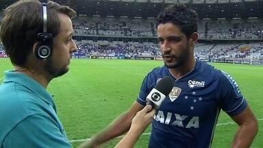 Léo reclama da arbitragem e diz que o Cruzeiro vai trabalhar para a última rodada - Léo reclama da arbitragem e diz que o Cruzeiro vai trabalhar para a última rodada
