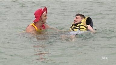Projeto oferece esportes aquáticos para pessoas com deficiência - Projeto oferece esportes aquáticos para pessoas com deficiência