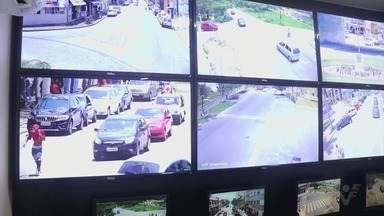 Peruíbe instala câmeras de vigilância nas ruas - Quarenta câmeras de monitoramento 24h foram instaladas.