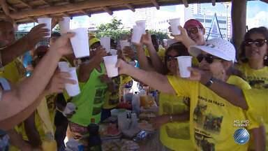 'Mexa-se': conheça um grupo que se reúne diariamente no Imbuí, em Salvador - Veja também uma entrevista com a nutricionista, que fala sobre alimentação e exercício.