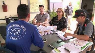 Trabalhadores de outros estados são aliciados para empregos enganosos - Profissão Repórter mostra trabalhos análogos á escravidão nas áreas rurais e urbanas