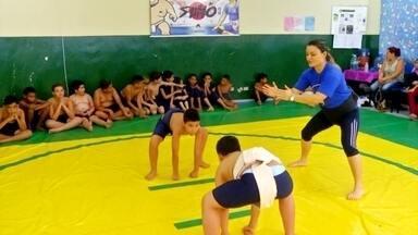 Toque de Mestre: Sumô - Professora de Escola Municipal em Suzano, na Grande São Paulo, usa o Sumô para aumentar a autoestima das crianças nas aulas de Educação Física