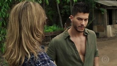 Nádia aparece no garimpo e Diego fica envergonhado - Mariano tenta ser romântico com Sophia, que fica apreensiva com a chegada de Nádia