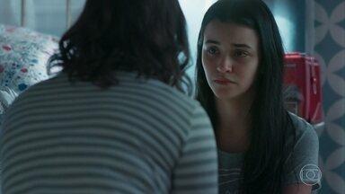 Keyla conversa com K1 sobre Roger - Ela pergunta se o padrasto está dando em cima da amiga