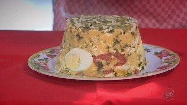 'Prato Feito' dá dicas para as festas de fim de ano - A receita desta sexta-feira (8) é de cuscuz de frango para a ceia.