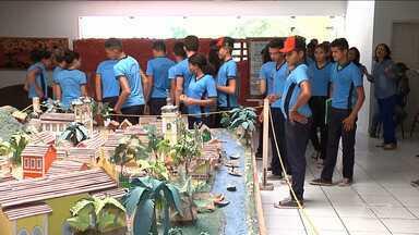 Estudantes em Caxias visitam memorial da Balaiada - Estudantes de uma escola na zona rural de visitaram pela primeira vez o memorial da Balaiada que conta um pouco da história do Brasil.