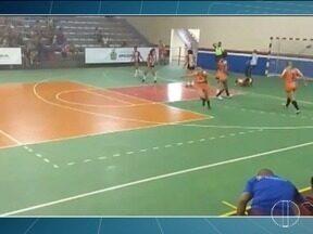 Esporte: Time de handebol feminino de MOC disputa Campeonato Brasileiro - Confira outras notícias do esporte.