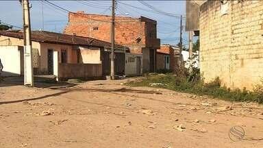 Moradores da Piabeta reclamam da poeira de ruas sem asfalto - Moradores da Piabeta reclamam da poeira de ruas sem asfalto.