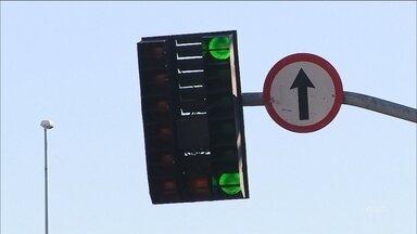 Cerca de 30 cruzamentos de Florianópolis devem receber novo sistema nas sinaleiras - Cerca de 30 cruzamentos de Florianópolis devem receber novo sistema nas sinaleiras