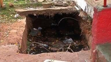 Moradores reclamam de esgoto e lixo a céu aberto no Bairro Batateiras, no Crato - Outras informações no g1.com.br/ce