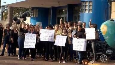 Enfermeiros do Hospital da Vida protestam por escalonamento de salários em Dourados, MS - Manifestação ocorreu na manhã desta segunda-feira (11) em Dourados.
