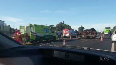 Três pessoas morrem em acidente na BR-277, em Céu Azul - Acidente foi neste domingo (10).