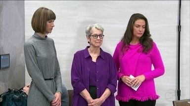 Três americanas que acusam Trump de assédio sexual pedem investigação - Embaixadora dos Estados Unidos na ONU disse que as mulheres têm que ser ouvidas. Senadores democratas pedem a renúncia de Trump.