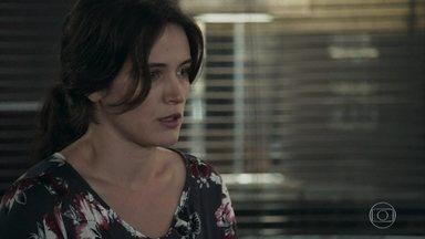 Clara faz exame psiquiátrico - Raquel e Patrick ajudam a neta de Josafá