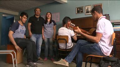 CD será lançado para arrecadar verba e ajudar alunos de Instituto dos Cegos, em CG - O lançamento acontece nesta terça-feira.