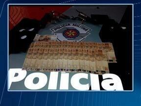 Polícia Militar identifica envolvidos em assalto a farmácia em Presidente Prudente - Um deles permaneceu preso por posse ilegal de arma de fogo.
