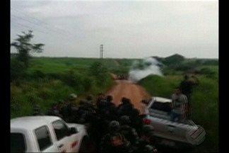 MST protesta contra despejo de famílias de acampamento em Marabá - Protesto é contra o despejo de cerca de 300 famílias do acampamento Hugo Chaves. Após audiência, a desocupação da área ocorre nesta quinta, 14.