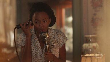 Tiana não entende o que José Augusto fala ao telefone e pensa que é trote - José Augusto afirma a Padre João que não deixará Fernão tirar vantagem de seu casamento com Tereza