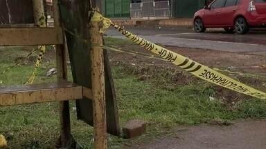 Homens matam menor na frente de comércio em Samambaia - O tiroteio foi na QR 303 em Samambaia Sul.