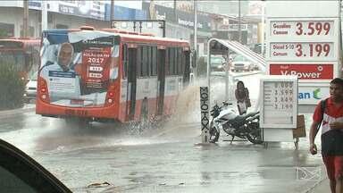 Chuva deixa estragos em São Luís - Temporal foi apenas um anúncio de que o período chuvoso está próximo.