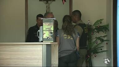 Operação combate fraude e desvio de até R$ 18 milhões na prefeitura de Quipapá - Ação, que envolve Polícia Civil, Ministério Público, MInistério da Transparência e Controladoria Geral da União, está sendo realizada nesta quinta-afeira (14), em Quipapá. São cumpridos 15 mandados de busca e apreensão.