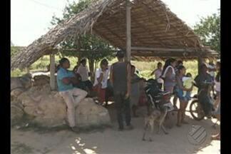 Em Marabá, Justiça cumpre reintegração de posse da fazenda Santa Teresa - No início da operação, manifestantes bloquearam a entrada do acampamento.