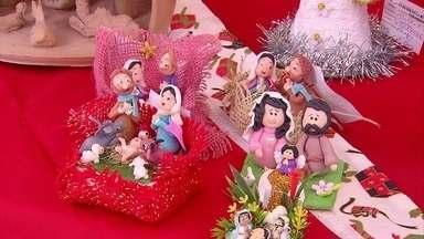 Praça do Derby recebe caminhão com produtos feitos por artesãos do Grande Recife - As peças têm o Natal como tema.