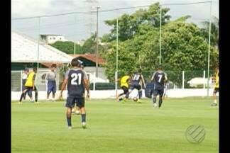 Clube do Remo realiza jogo-treino contra time sub-20 - Atletas do elenco principal vencem por 4 a 0. Esta foi uma oportunidade para Ney da Matta testar jogadores para a titularidade.