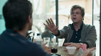 MB se revolta por ter sido dispensado por Roney - Lica diz que precisa conversar com Felipe sobre o relacionamento deles