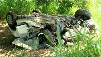 Casal morre em acidente na BR-101, em Mimoso do Sul, ES - Três veículos se envolveram no acidente.