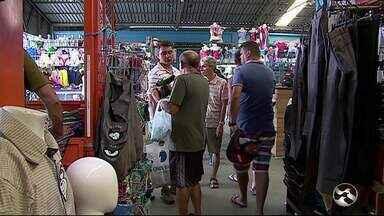 Feiras de Caruaru e Santa Cruz do Capibaribe reúnem muitos compradores no final de ano - Registro foi do fim de semana