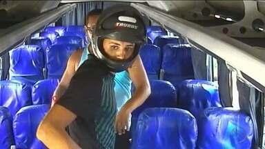Micro-ônibus é assalto no Centro de Aracaju - Micro-ônibus é assalto no Centro de Aracaju.