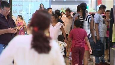 Comércio do Centro de Aracaju está funcionando em horário especial - Comércio do Centro de Aracaju está funcionando em horário especial.