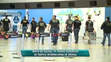 Polícia Federal realiza operação que investiga crimes praticados no aeroporto Tom Jobim - Operação busca cumprir 36 mandados de prisão e 1 mandado de condução coercitiva a funcionários do aeroporto do Galeão e da Receita Federal.
