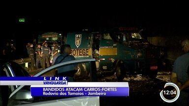 Criminosos tentaram roubar carros-fortes na Tamoios - Houve troca de tiros.