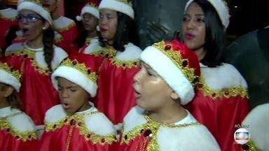 Sede do Galo da Madrugada recebe cantata natalina gratuita - Coral de crianças se apresenta no bairro de São José.