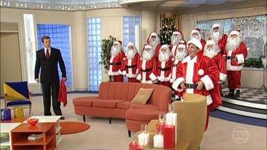 Sai de Baixo – O Rebu de Natal - O Papai Noel Ivo aparece, mas é um disfarce para desmascarar um trambique de Caco; na empreitada, ele terá ajuda do coral da USP e todos os cantores também estão vestidos de Papai Noel.