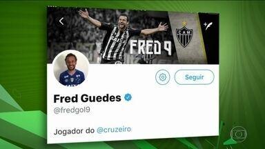 Cruzeiro deixa para trás Fluminense e Flamengo e fecha com o atacante Fred - Camisa 9 dá mole ao atualizar página da rede social