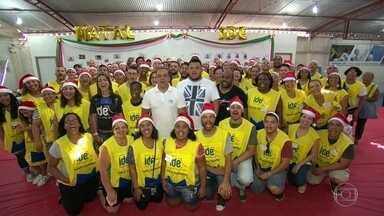 Natal solidário - Moradores de Jardim Gramacho recebem ceia de natal
