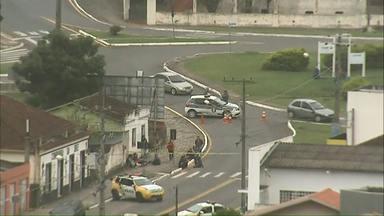 Agente carcerário é feito refém durante rebelião na cadeia pública de Castro - Rebelião dura mais de 18 horas.