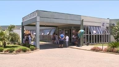 Funcionários do Hospital Regional de Araranguá recebem atrasados, mas mantêm greve - Funcionários do Hospital Regional de Araranguá recebem atrasados, mas mantêm greve