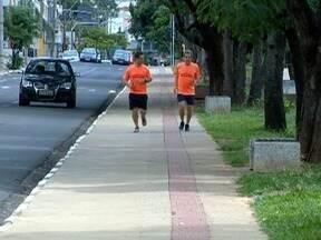 Proximidade da Corrida de São Silvestre acentua preparação dos atletas - Em Presidente Prudente, corredor conta com o apoio da família.