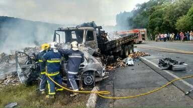 Feriadão teve 16 vítimas fatais nas estradas - O número é a soma das mortes nas rodovias estaduais e federais do Paraná.