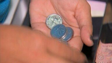 Comerciantes buscam alternativas para aumentar a circulação de moedas em Bauru - Dificuldade de troco é comum no comércio de Bauru. Por isso comerciantes buscam alternativas para aumentar a circulação de moedas na cidade.