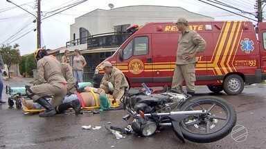 Motociclista fica ferido após acidente em bairro nobre de Campo Grande - De acordo com informações de testemunhas, chovia muito na hora do acidente e um dos veículos avançou a preferencial.