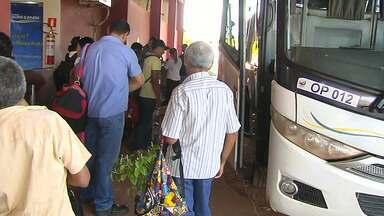 Nas férias, movimento cresce nos terminais hidroviário e fluvial de Santarém - Muitos santarenos vão passar a virada do ano em outras cidades.