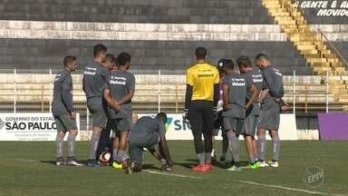 XV de Piracicaba busca goleiro após empréstimo de Mateus Pasinato - Goleiro foi um dos destaques na conquista da Copa Paulista do ano passado, e acabou emprestado para o Bragantino.